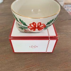 Lexox Holiday Bowl